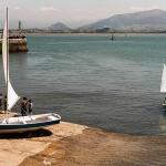 Navegar con niños y contratar un buen seguro para barcos: cero preocupaciones