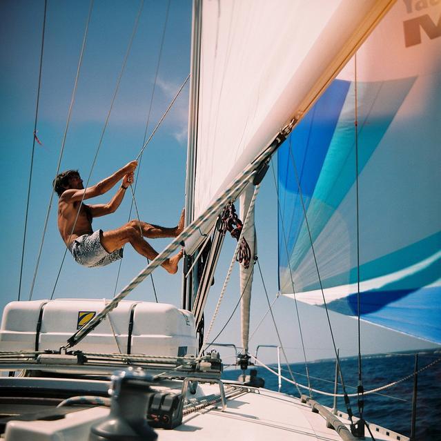 Cómo navegar tranquilo: consejos y seguros lanchas