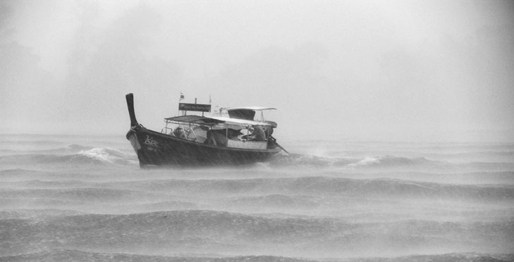 ¿Cómo navegar con mal tiempo?